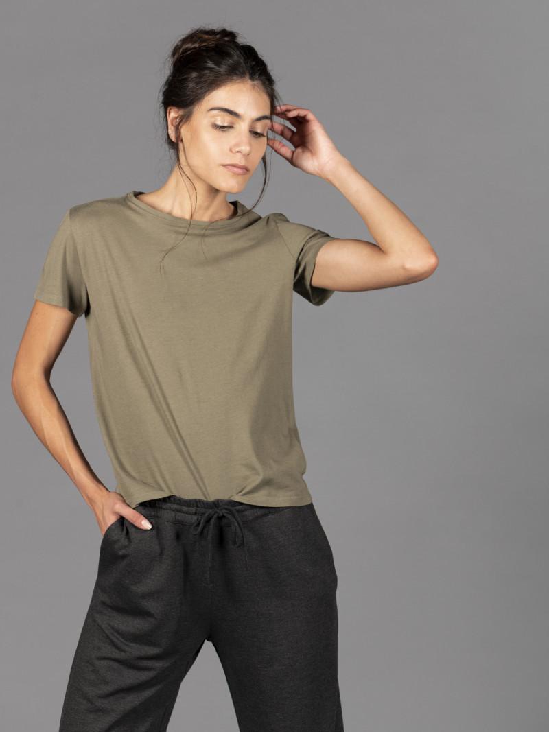 T-shirt verde militare donna con maniche corte in cotone effetto seta
