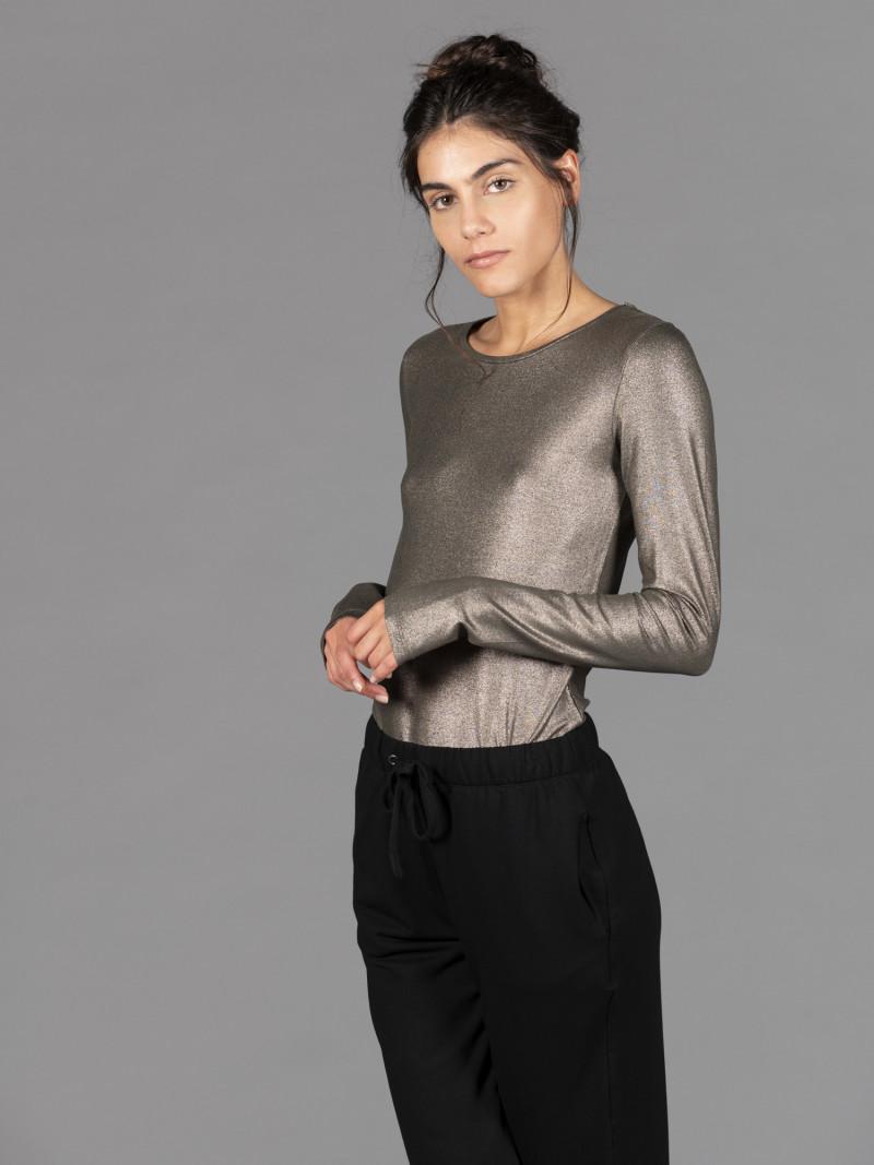 T-shirt bronzo donna girocollo con manica lunga in viscosa e vestibilità slim