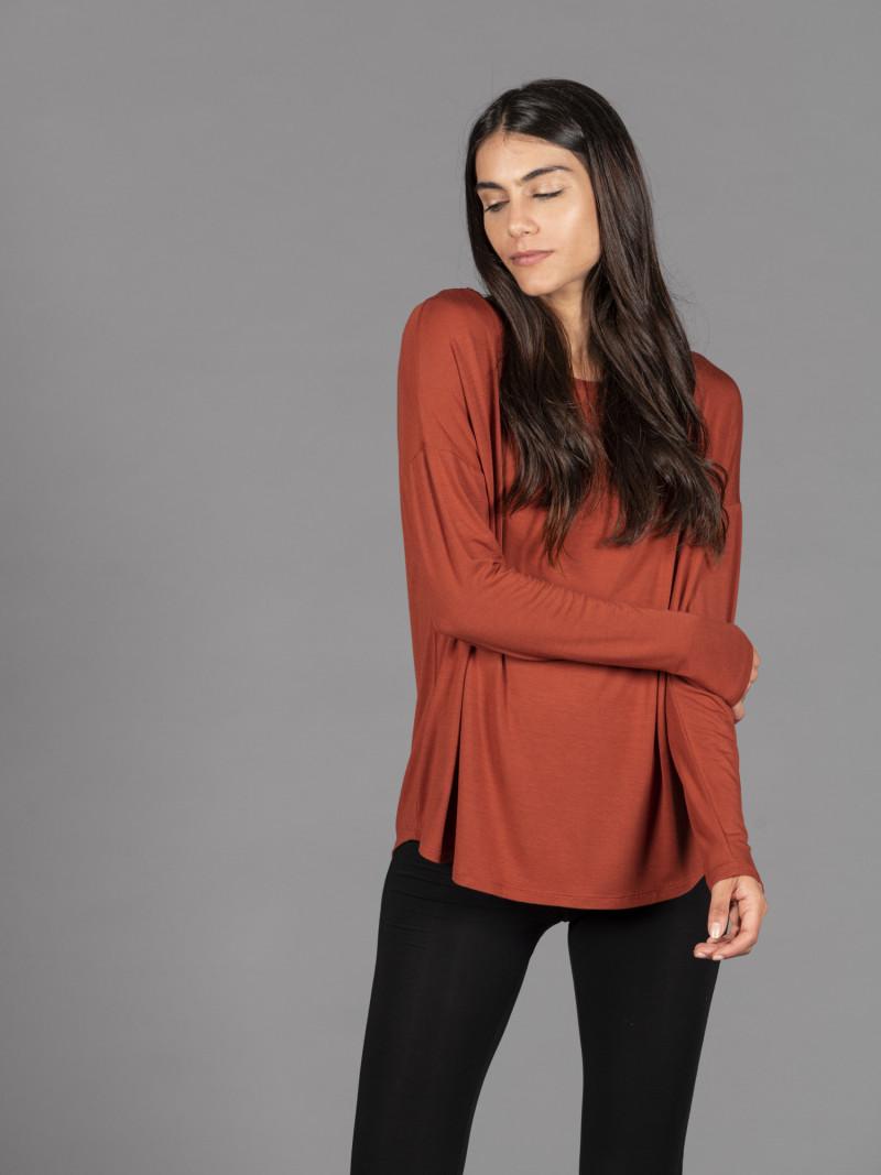 T-shirt oversize arancione barchetta donna con manica lunga in viscosa