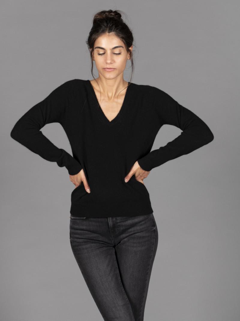 Maglione in 100% cashmere nero scollo a V