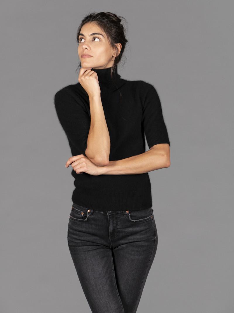 Maglione in procione donna dolcevita con manica al gomito e vestibilità slim