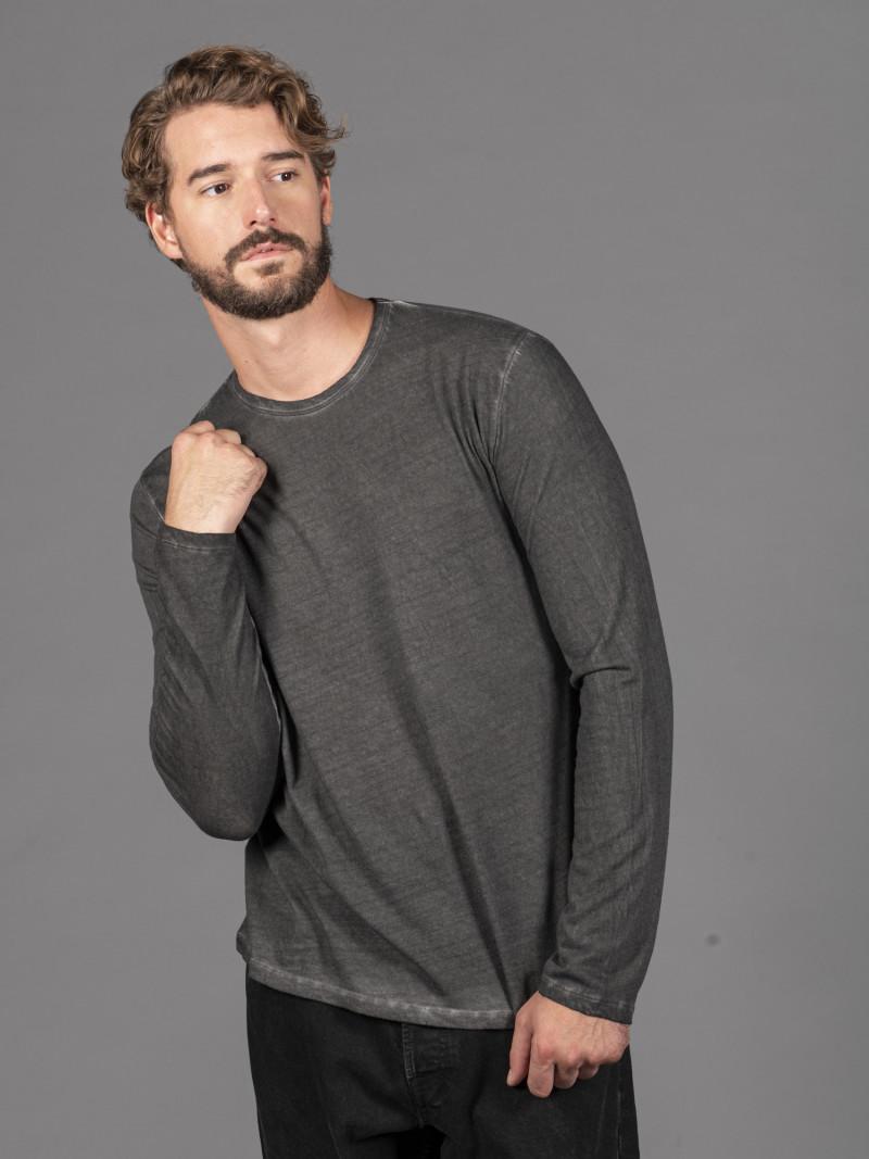 T-shirt tinta a mano nera uomo girocollo con manica lunga in cotone e cashmere