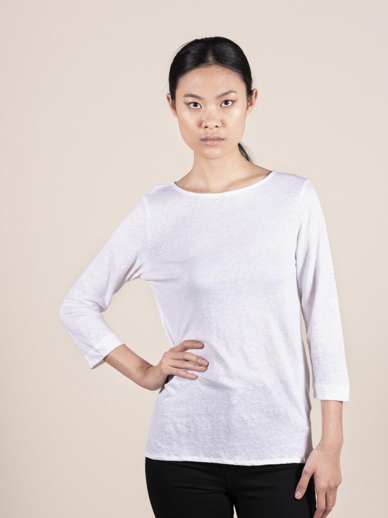 T-shirt bianca da donna con scollo a barchetta e maniche a tre quarti in lino