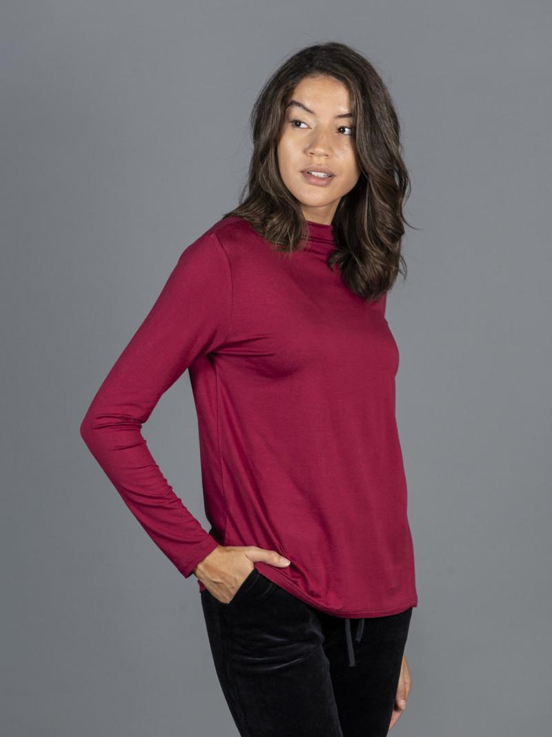 T-shirt rossa collo alto donna con manica lunga in viscosa