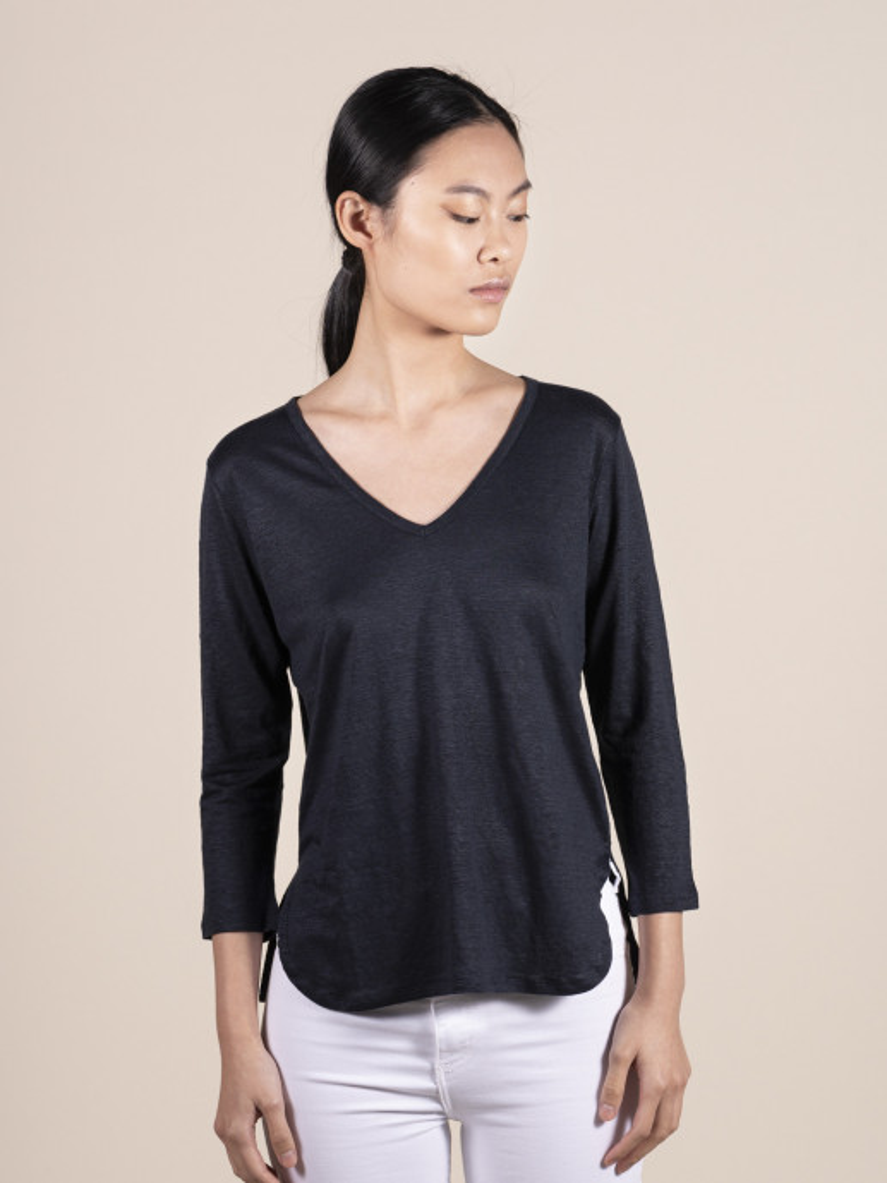 T-shirt blu donna con scollo a V e manica a tre quarti vestibilità slim in lino ed elastan