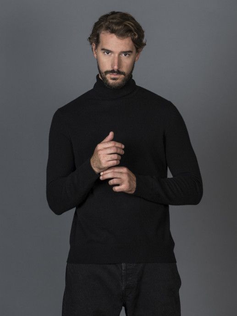 Maglione uomo in 100% cashmere nero dolcevita