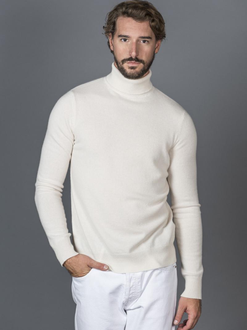 Maglione uomo in 100% cashmere bianco latte dolcevita