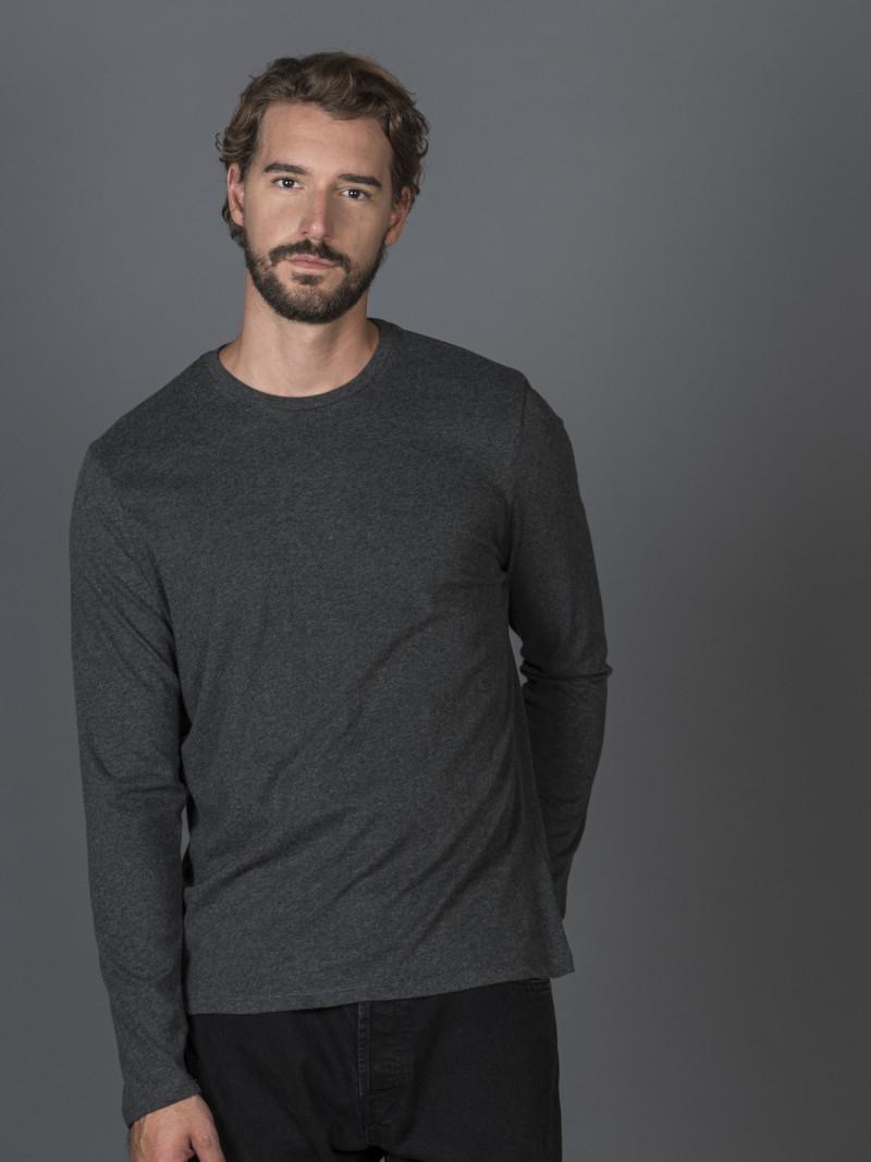 T-shirt antracite basica uomo girocollo con manica lunga in 100% cotone