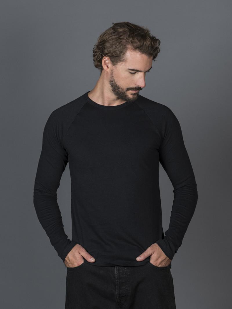 T-shirt nera uomo girocollo con manica lunga in cotone e cashmere