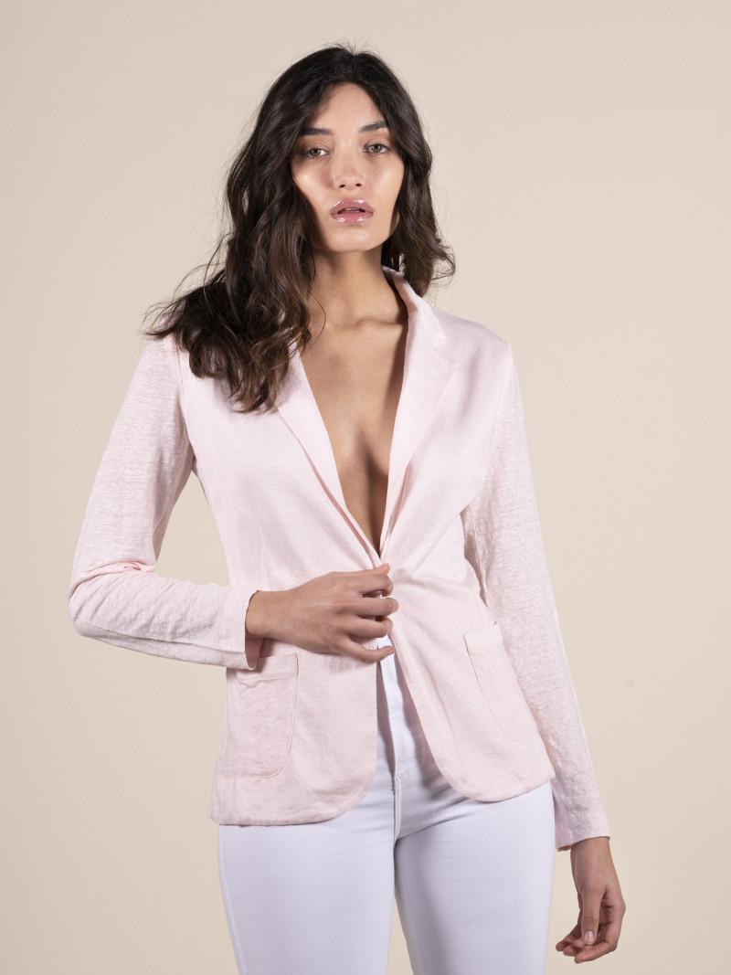 Giacca rosa da donna in lino con maniche lunghe e bottone