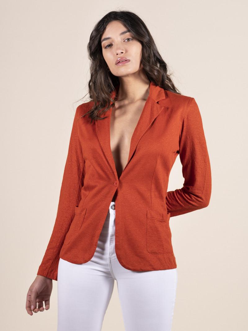 Giacca rossa da donna in lino con maniche lunghe e bottone