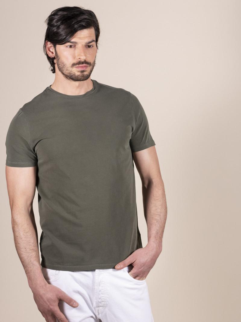 T-shirt slim verde uomo girocollo con manica corta