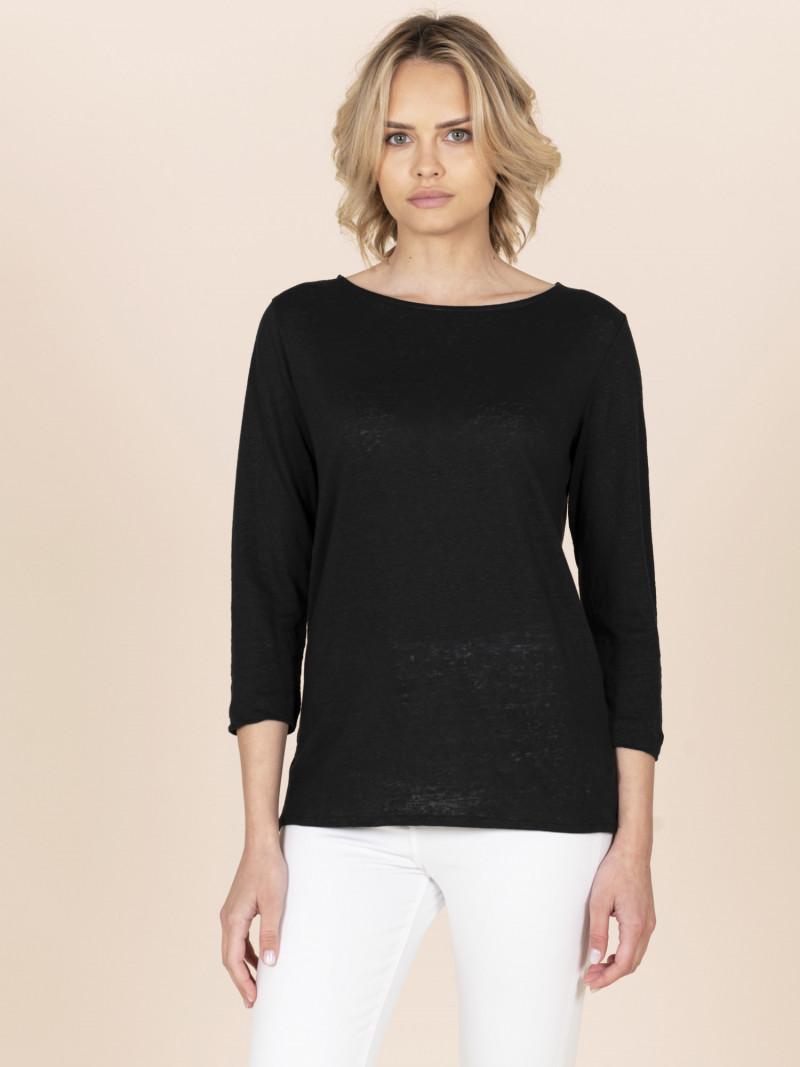 T-shirt nera da donna con scollo a barchetta e maniche a tre quarti in lino
